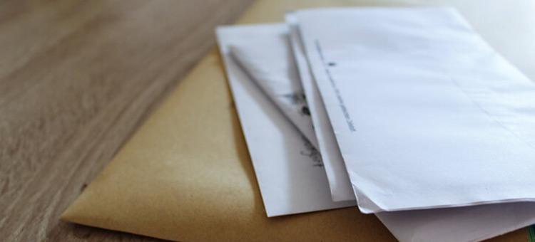 受入れ後の「定期報告」とは?3か月に1回の入管への届出が必要!